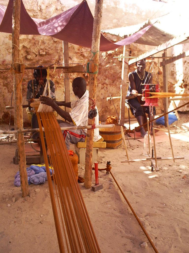 Weaving team